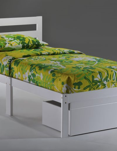 Bed-to-Go Twin White w Drawer closed