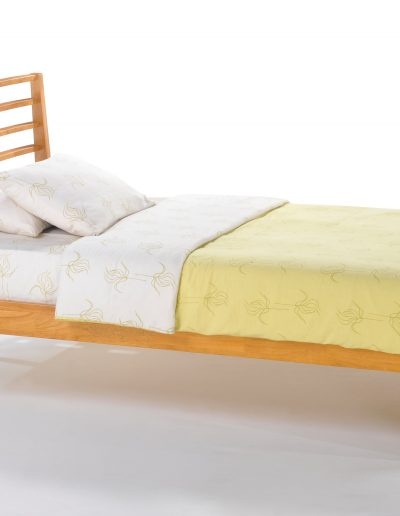 Jasmine Bed Full Medium Oak