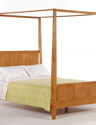 Laurel Bed Queen Medium Oak