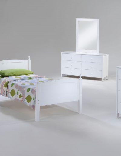 Licorice Bed Suite White