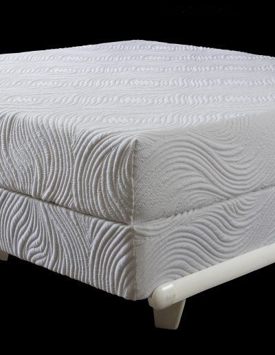 pure talalay bliss Nature-Black bacground